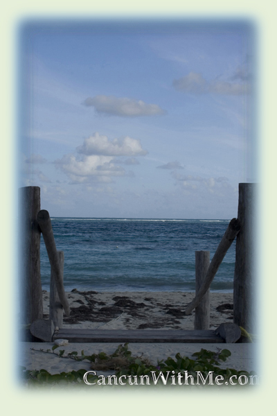 This is a picture of the Cancun waters taken by Manny from Cancun With Me